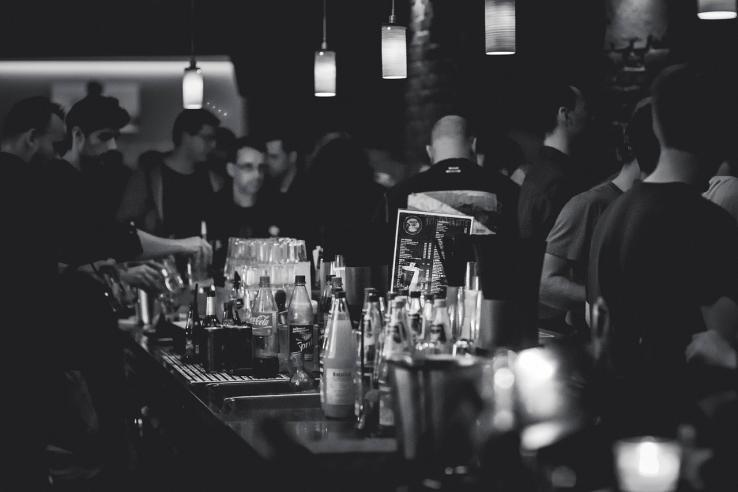Soirée dans un bar